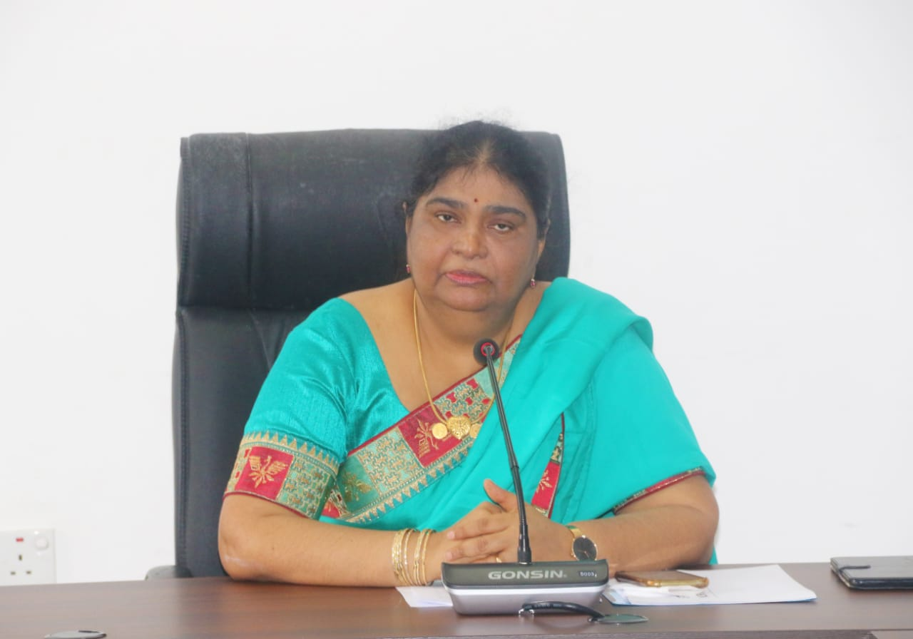 Hon. Governor of the Northern Province expressed her Compliment to the vaccinated people under Covid -19 Vaccination program